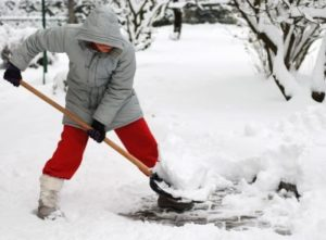 back pain shovelling, winter, tips chiropractic, health